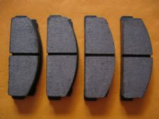 FSO 125P, Polonez (76-90) YUGO (80-90) NEW DISC BRAKE PADS - DB27
